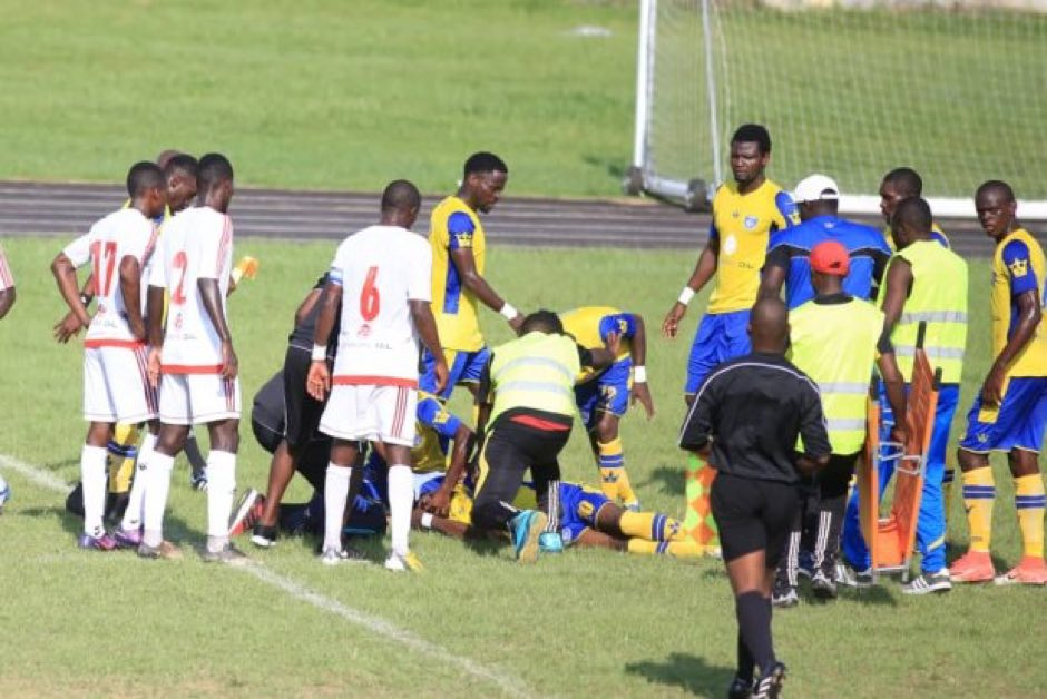 Gabonese player collapses and dies on the pitch