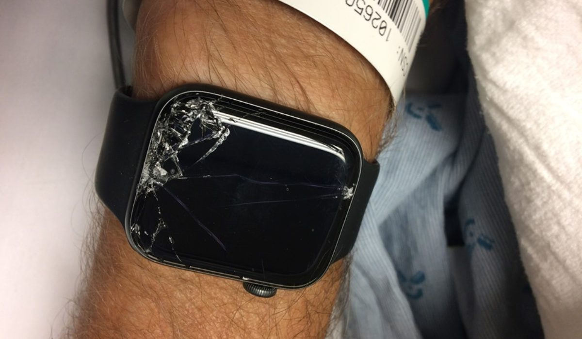 Man reveals how Apple Watch saved the life of his father