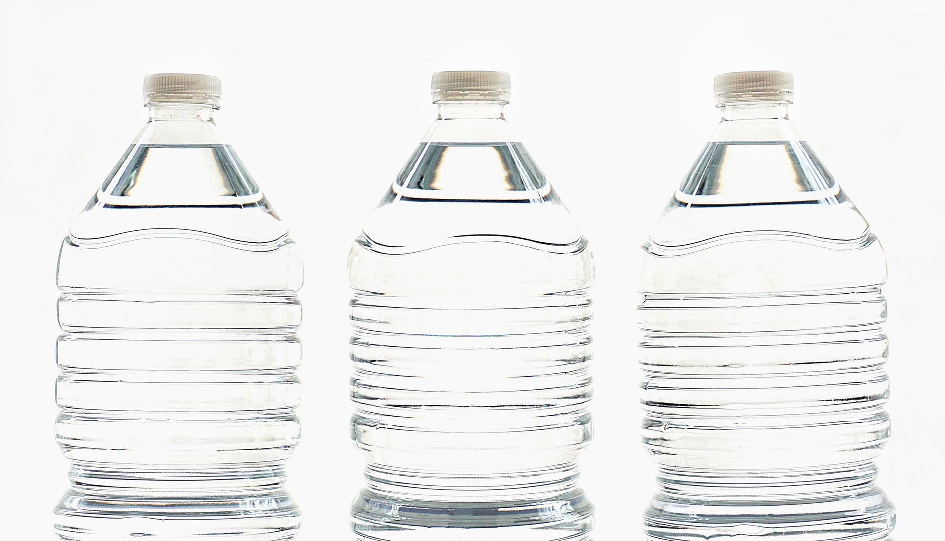 Health Benefits of Drinking Water First Thing in the Morning